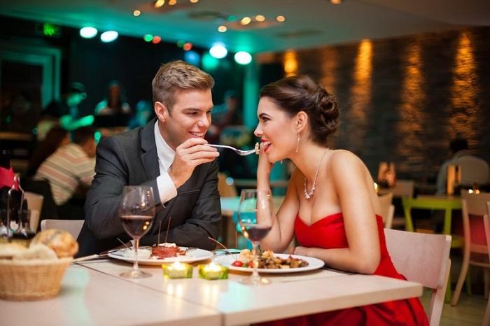 Cùng thưởng thức bữa tối lãng mạn với bạn gái