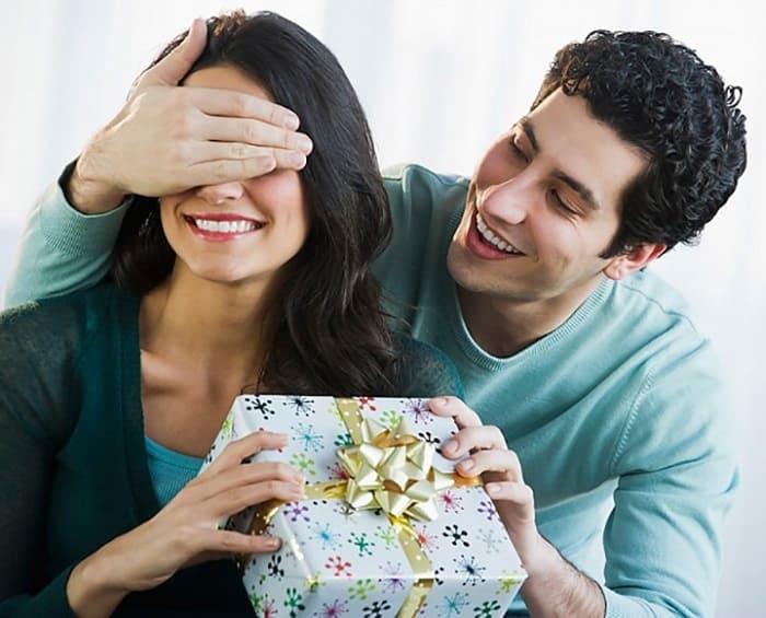 Các bà vợ thường thích món quà ý nghĩa nhưng tiết kiệm