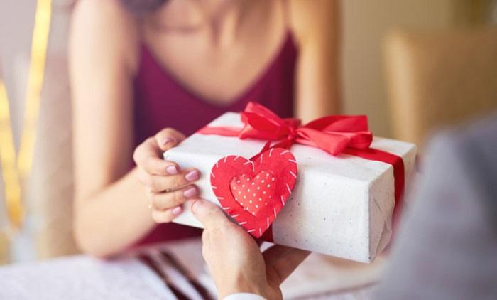 Dựa theo mối quan hệ để lựa chọn quà tặng phù hợp