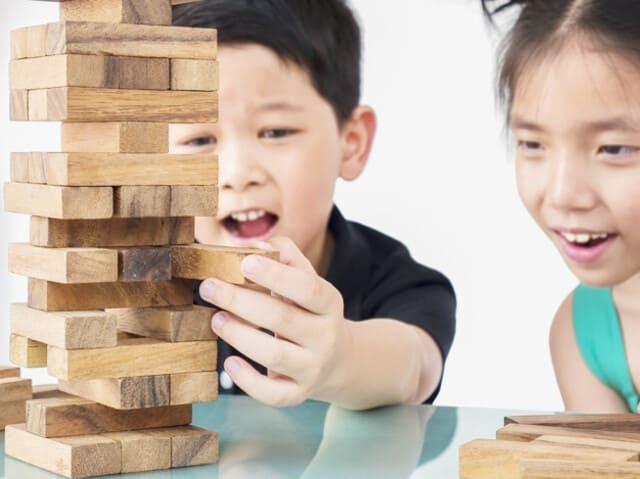 Bộ đồ chơi rút gỗ cho bé trai 6 tuổi