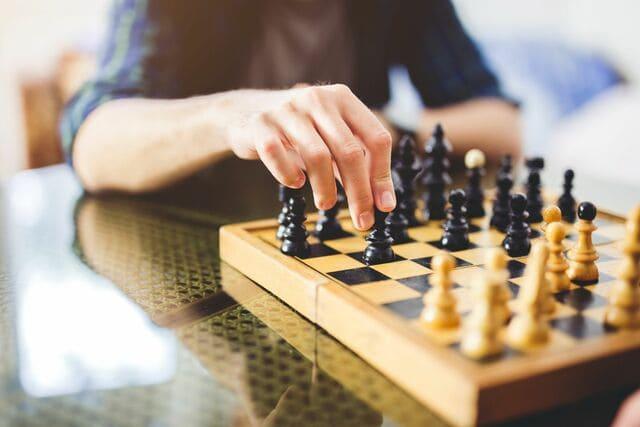 Bộ cờ vua cho bé trai 6 tuổi