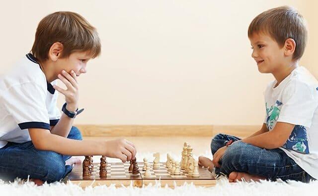 Bộ cờ vua cho bé trai từ 5 đến 10 tuổi