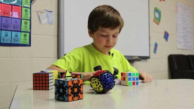 Rubik cho bé trai 6 tuổi