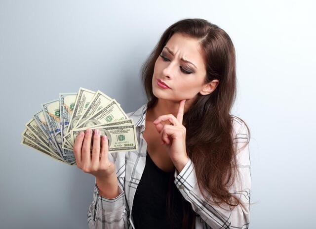 Tặng tiền cho mẹ là một lựa chọn không tồi