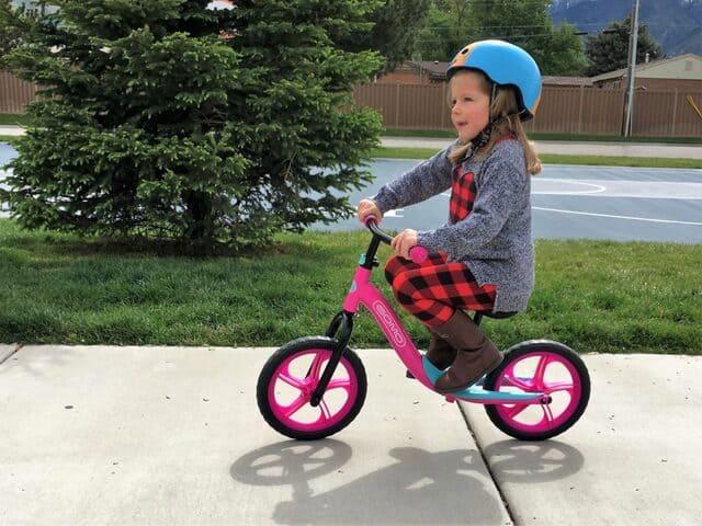 Xe đạp thăng bằng cho trẻ