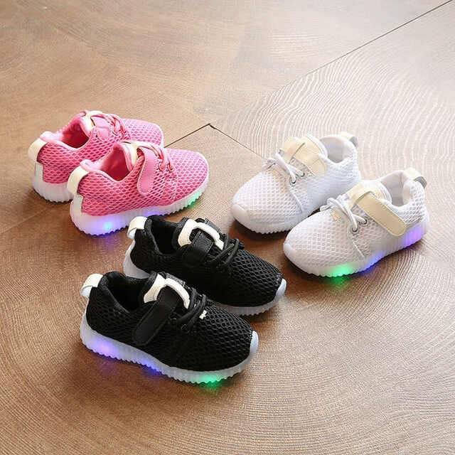 Giày thể thao cho bé trai từ 3 đến 5 tuổi