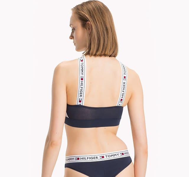 Mặt sau của bộ Underwear Cross Halter Logo Bralette