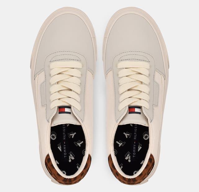 Mặt trên mẫu giày Leopard Print Sneaker
