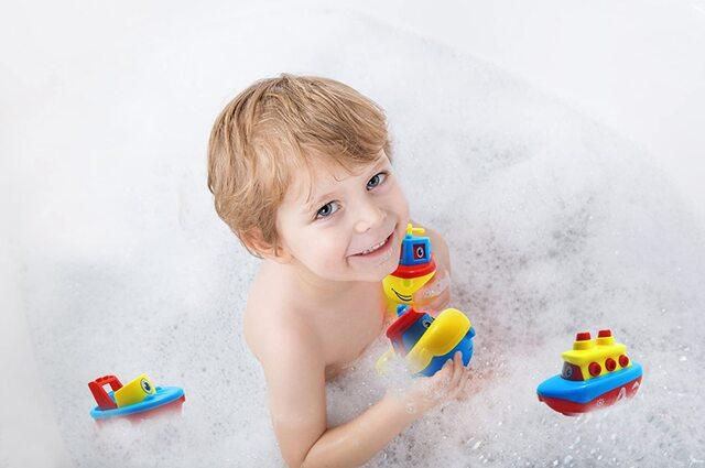 Thuyền đồ chơi dành cho trẻ em