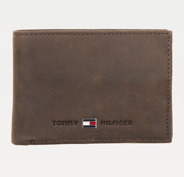 ví Tommy được làm bằng da nguyên chất