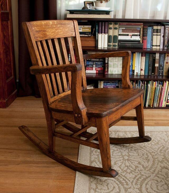 Ghế bập bênh bằng gỗ