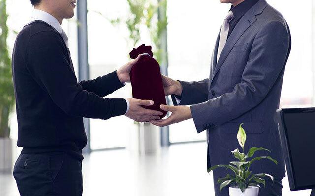 quà tặng giúp gắn kết với đối tác