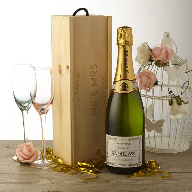 Rượu Champagne là món quà tặng tân gia hoàn hảo