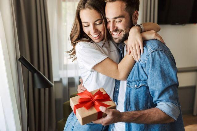 Quà vợ chồng tặng nhau